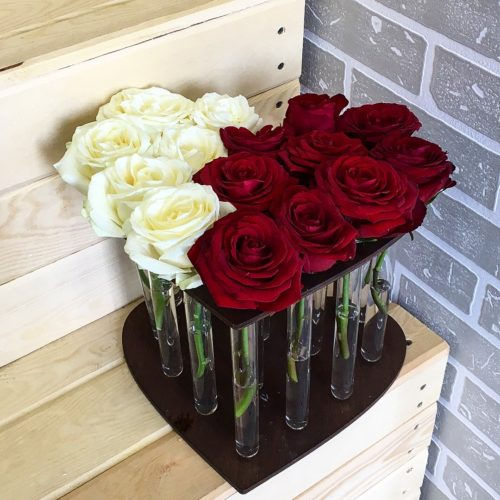Вазочка СЕРДЦЕ на 15 роз