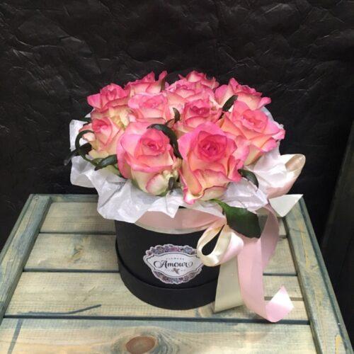 Цилиндр с розой джумилия
