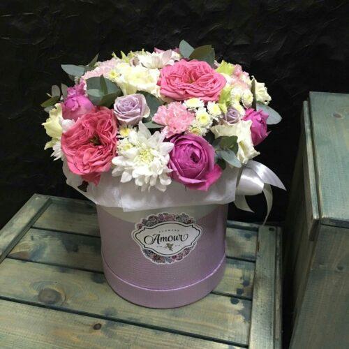 Цилиндр с пионовидными розами