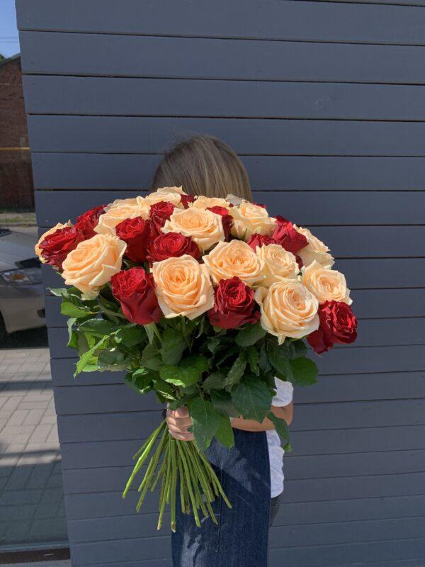 Букет из 33 голандских роз