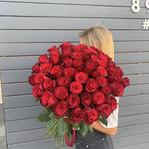 Букет из 51 голландской розы 70см